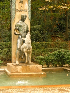 An interesting statue in the gardens of the Alhambra. ( Granada, Spain)