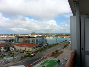 Pulling into Aruba Port